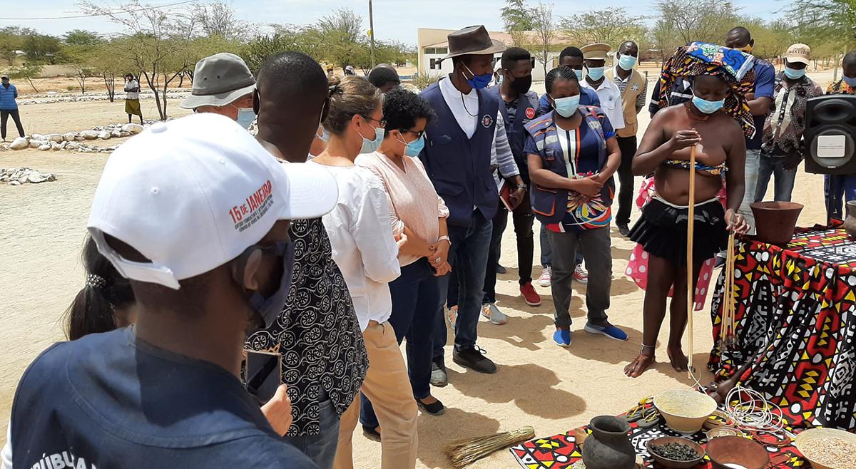 Embaixadora da União Europeia em Angola visita projeto Ekevelo